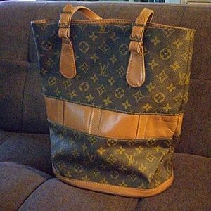Auth. Louis Vuitton  bucket style hand bag